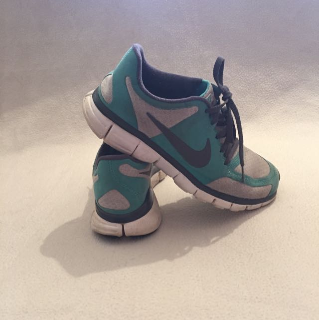 Size 8 Nike Fitsole Runners