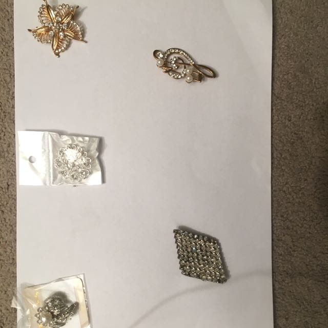 Women's/girls X5 Bulk Fashion Brooches RRP$30selling$13 X1used