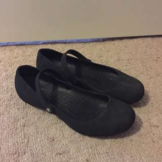 Crocs Sueded Alice Black Flats