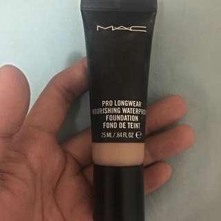 Mac Pro Long wear Waterproof Foundation