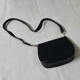 [Reserved] Black Shoulder/Sling Bag
