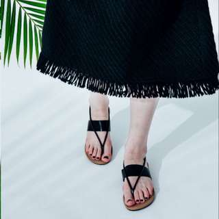 夏日百搭優雅風格夾腳皮面涼鞋