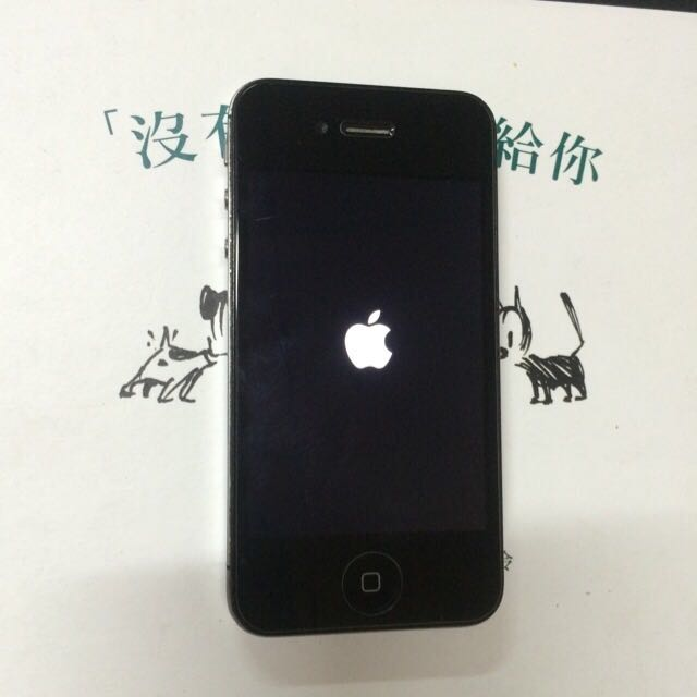Apple iPhone 4s 黑色 64G 九成新!電池換新! Apple iPhone 4s Black 64G almost new! Battery renewal! 盒裝 充電線 充電頭! Packed charging