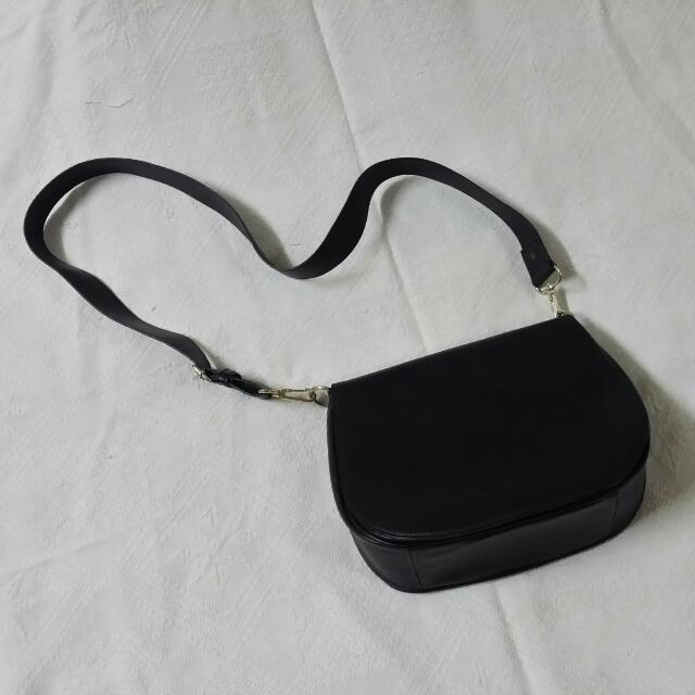 [Reserved] Black Shoulder/Sling Bag