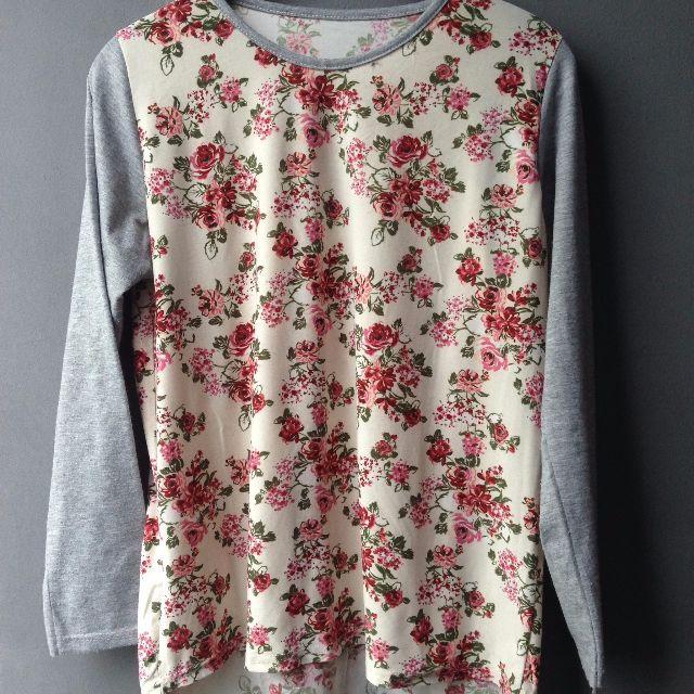 Kaos tangan panjang Bunga Bunga