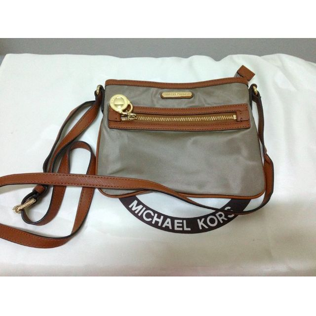 5c658b0850f4 Authentic MICHAEL KORS Kempton Large Nylon Crossbody..... Raya ...