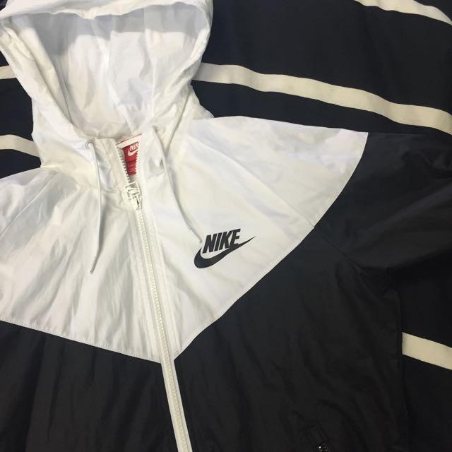 PENDING Nike Black/White Windrunner Jacket