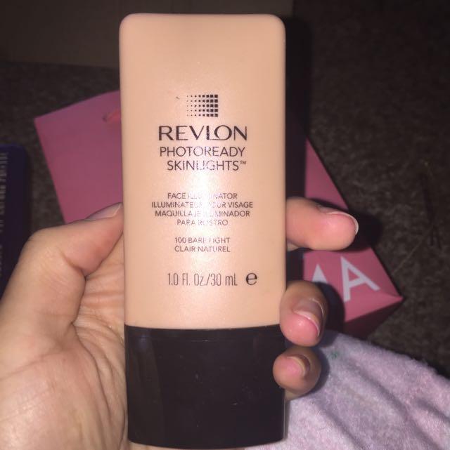 Revlon Photoready Skin Lights Liquid Highlighter In Shad Bare Light