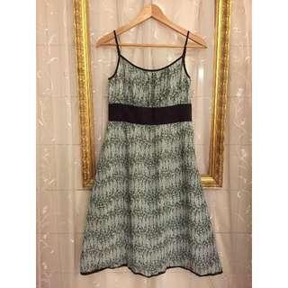 日系品牌Nouque 波浪碎花棕色裝飾細肩帶洋裝 Made in Japan
