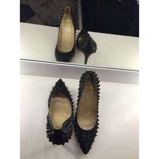 Christian Louboutin Spiked Points BLK