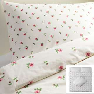Looking for : Ikea Emelina Knopp King Size Duvet Cover and 2 Pillowcases Set