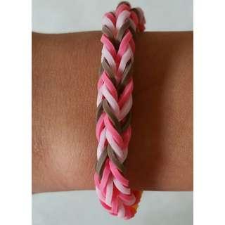 Item 112) Handmade Loom Band Bracelet