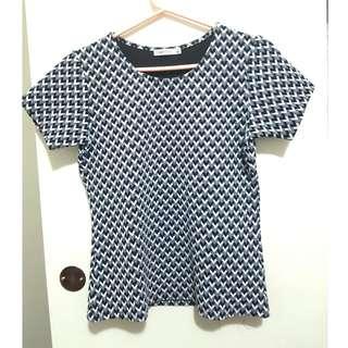 Pattern Detailed Black/white Top