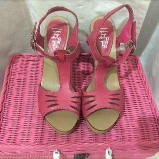 chuncky heel (the little she thing needs)