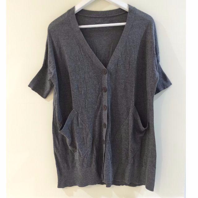 二手商品 ♥ V領口袋罩衫/上衣