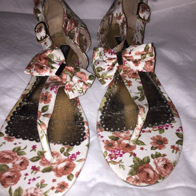 Forever New Floral Bow Sandals