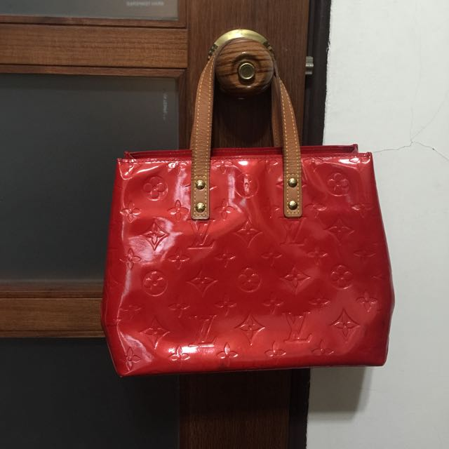 Lv紅色亮皮小提包保證真品可換包