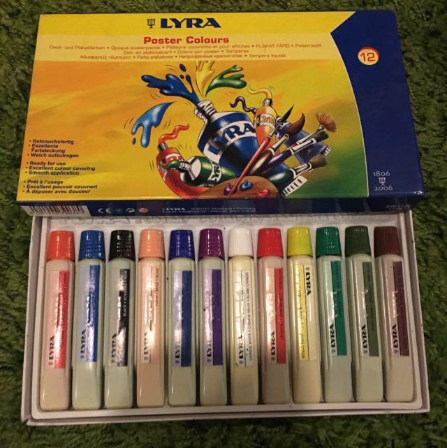 Lyra Poster Colour
