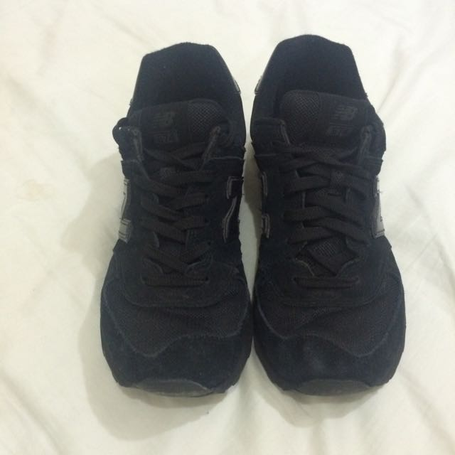 New Balance - All Black Sneakers size 8