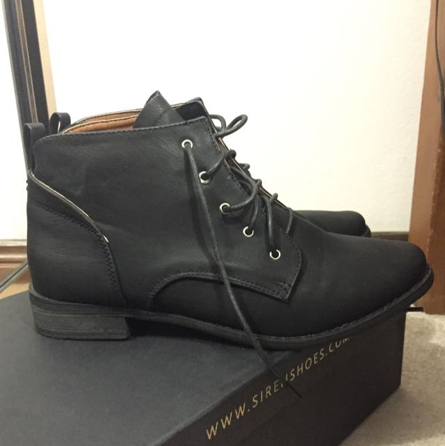 [new] Lace Up Boots - Size 8