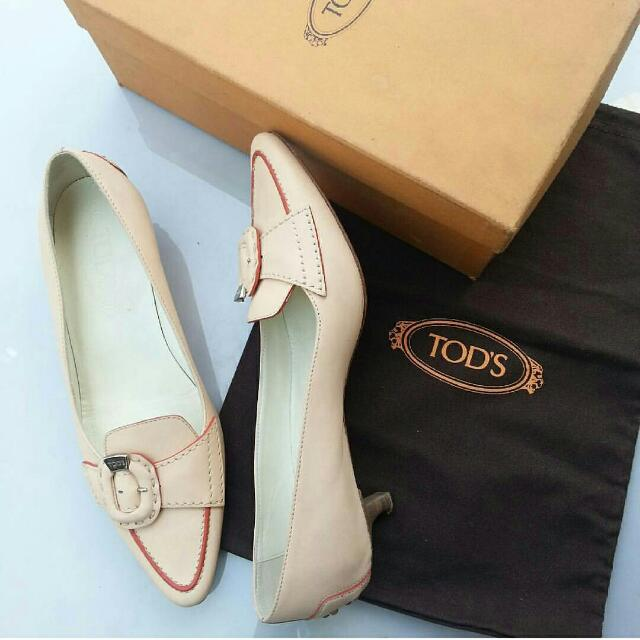 Preloved Authentic Tods Peach Shoes Full leather