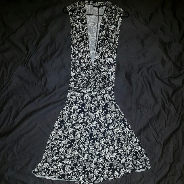 Tokito floral dress - Size 10