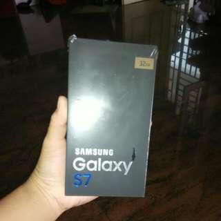 BNIB Samsung Galaxy S7 Gold Platinum