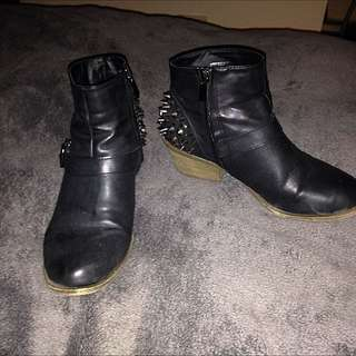 Therapy Stud Boots