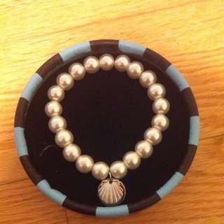 Nutrimetics Pearl Shell Bracelet