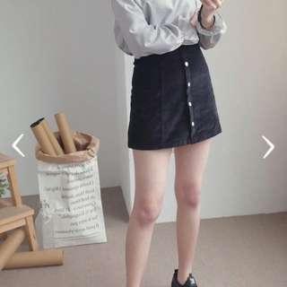 燈芯絨排釦A字短裙*黑色