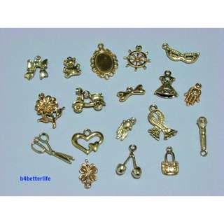 #CHC-102. Lot of 18pcs Gold Color Plated Metal Charms.