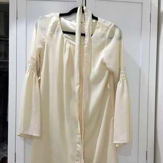 Bellsleeve 70s Hippie Mini Dress