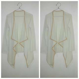 Cardigan, Outer