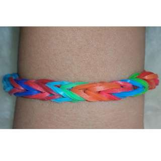Item 131) Boy color Handmade Loom Band Bracelet