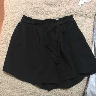 Black Loose Short Size 10 More A 12