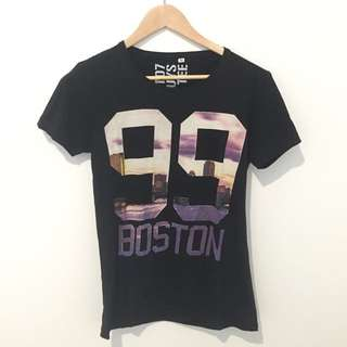 FACTORIE Size XS Graphic Tee