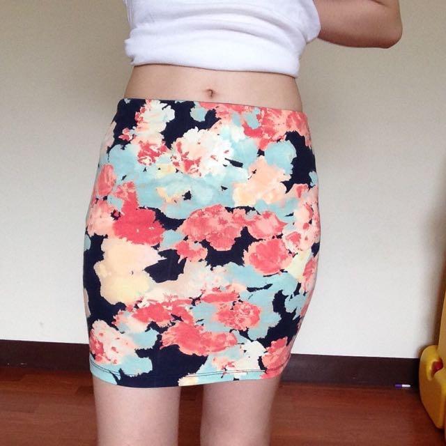 Bershka包臀短裙窄裙