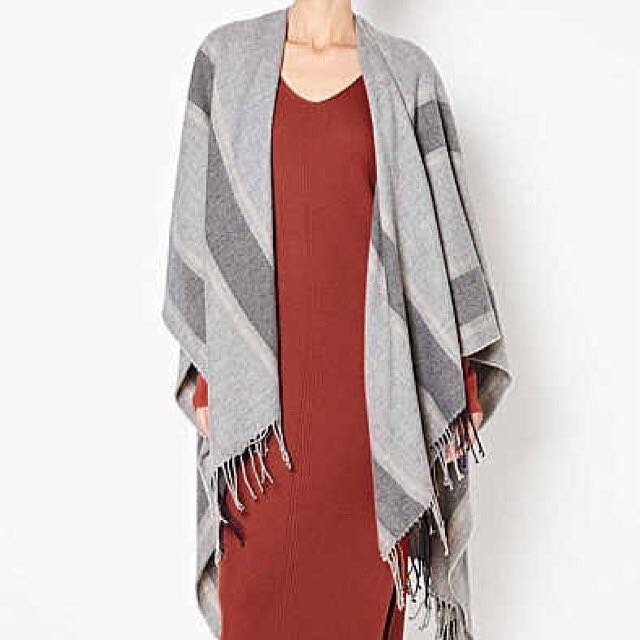 BNWT Witchery Tassel Strip Wrap
