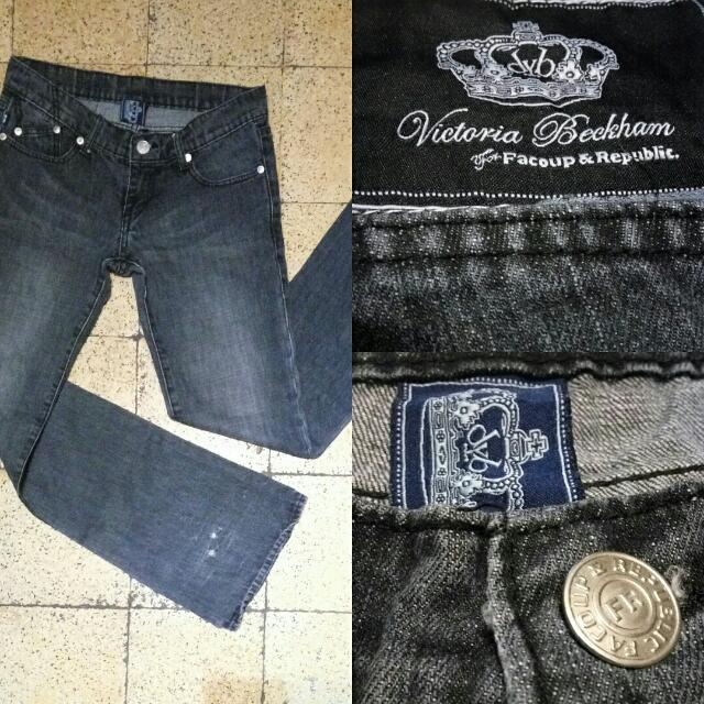 Celana Victoria Becham
