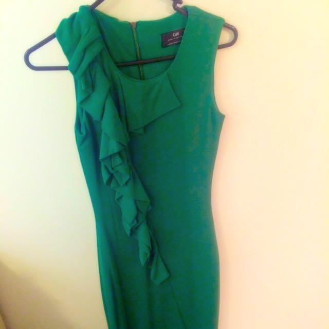 CUE Green Dress size 6