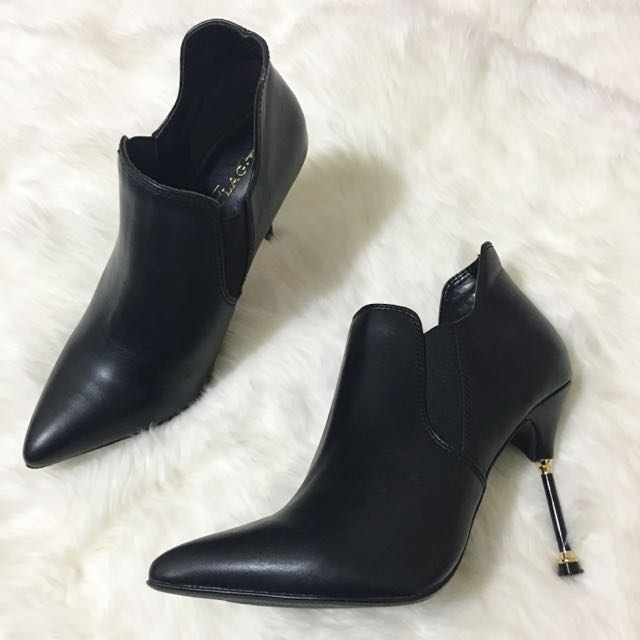 FLAG J Ankle Boots