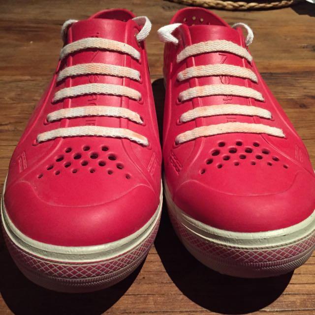 Men's Energie Red Rubber Sneakers