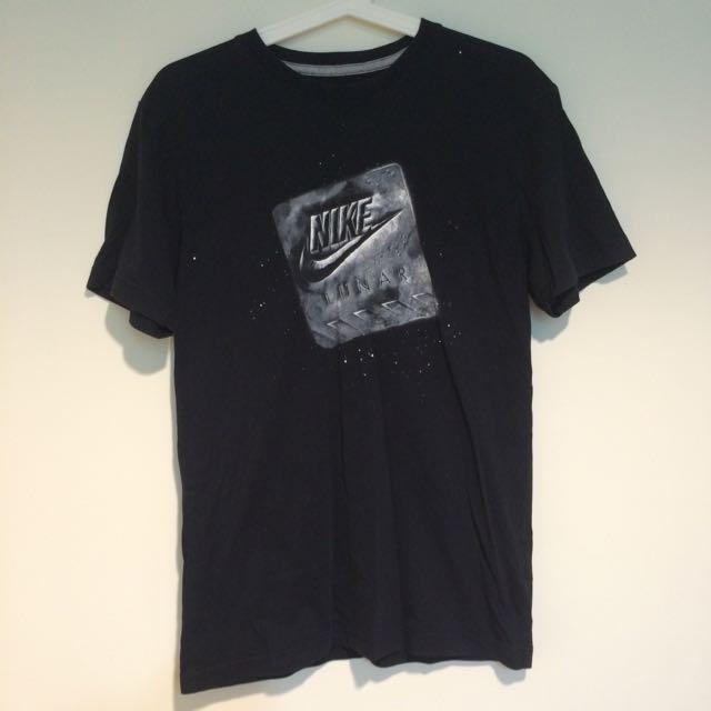 Nike 衣服