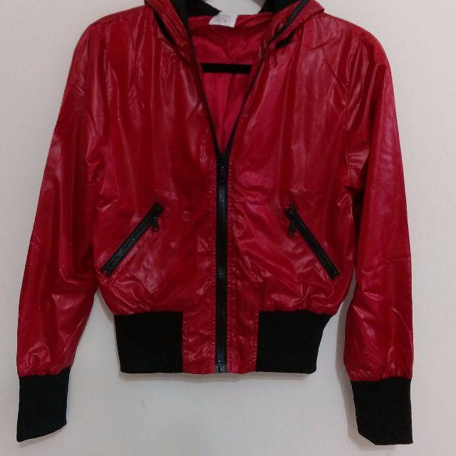 QS 紅色運動休閒外套