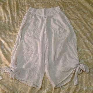 *Size 8 White Pants