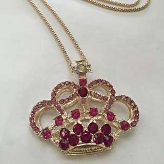 Trendy Pink Crown Necklace