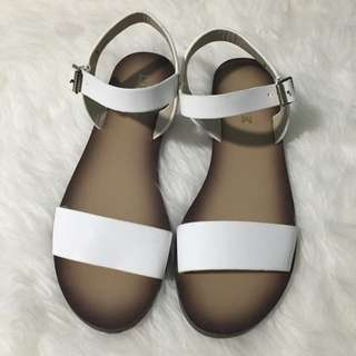 PENDING - LIPSTIK shoes White sandals