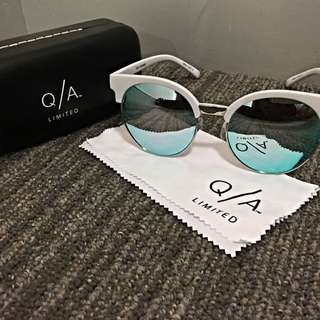 "QUAY LIMITED EDITION SUNGLASSES ""HIGHLY STRUNG"""