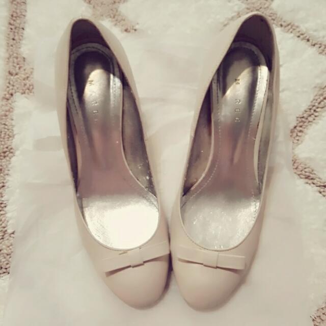 韓國手工訂制款真皮 愛瑪士款小蝴蝶結名媛米白中跟鞋 24.5號