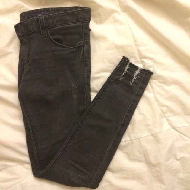 正韓 顯瘦低腰刷破牛仔長褲 27